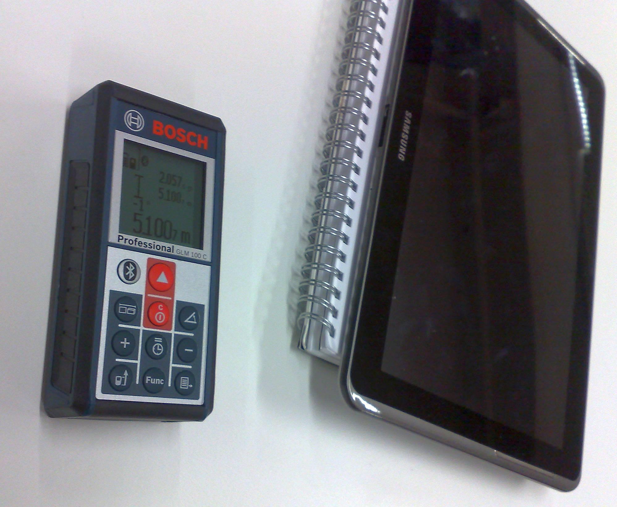 Bosch GLM 100 C und die Aufmass-App helfen professionell und effizient zu arbeiten.