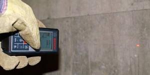 Bosch GLM 100 C mit Handschuh