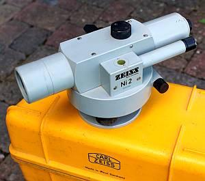 Zeiss Ni2 mit Skalenmikroskop