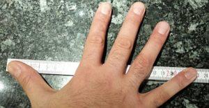 Spanne mit 23 cm und Meterstab