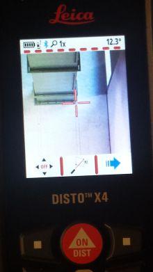 Leica Disto X4 mit DST360 bei Point to Point-Messung im HLK-Einsatz